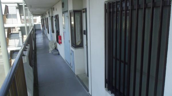 廊下長尺シート工事・施工前