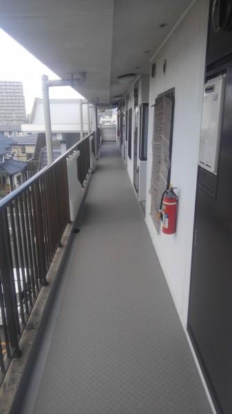 廊下長尺シート工事・施工後